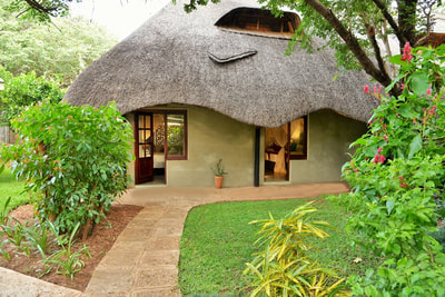Exterior of accommodation, Bayete Guest Lodge, Victoria Falls